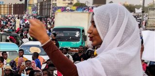 Women and non violent political campaigns